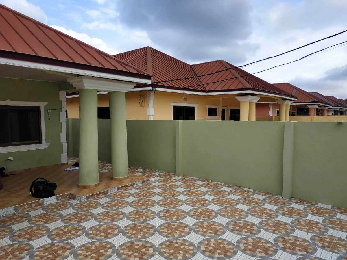 Renovation of a 3 bedroom house at Oyarifa
